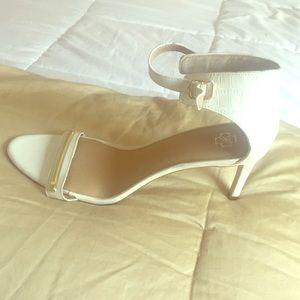 Open toe angle strap heels